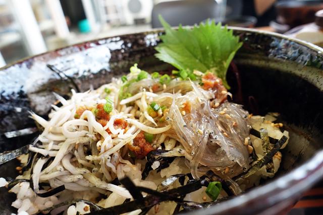 江ノ島旅行のときに食べた生しらす丼